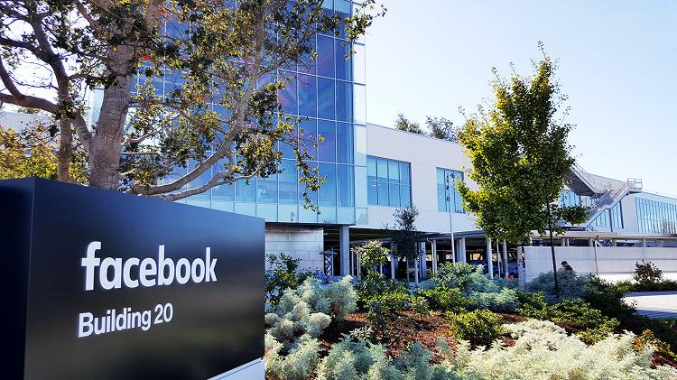 Facebook và trận chiến Apple