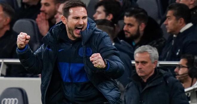 HLV Mourinho đã có những phát biểu công kích đối thủ khủng khiếp