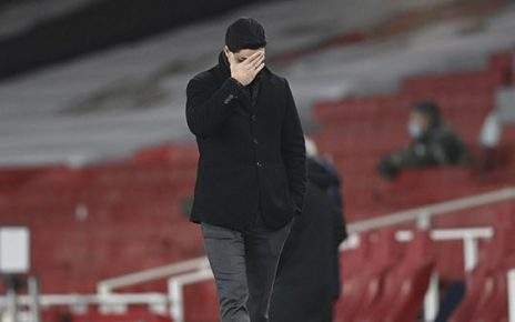 Hòa thất vọng trước Crystal Palace, Arsenal trở lại mặt đất