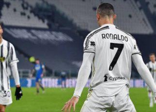 Juve tiếp tục bám đuổi top 4 với cú đúp của Ronaldo
