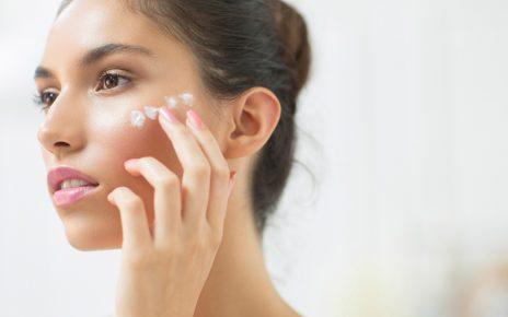 Lưu ý khi dưỡng ẩm da mặt