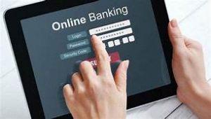 Nên sử dụng các dịch vụ chuyển khoản online để tránh bị ùn tắc